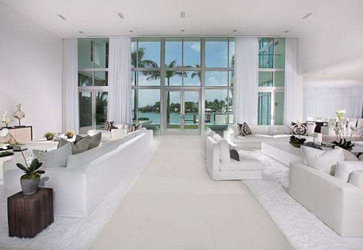 interiores de luxo na cor branca Projetos de decoração de interiores